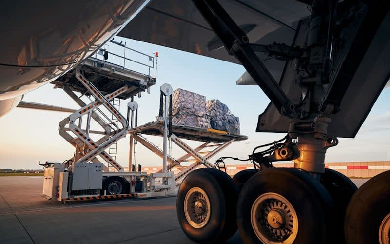 aircraft tyres wheels cargo freight airline aviation operator mro maintenance repair