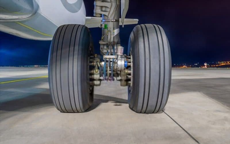 aircraft tyres wheels business corporate private airplane jet king air gulfstream